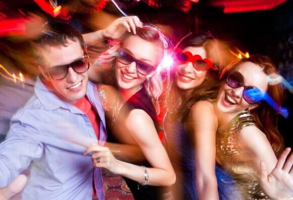 shutterstock-people-students-teenagers-party-drinking-club